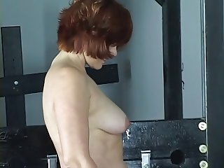 Young cheerleader brunette gets spanked and pussy licked by older lesbian