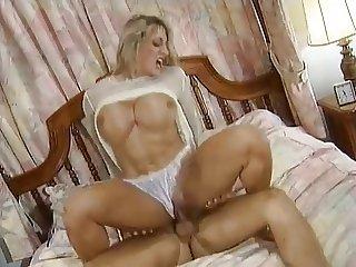 Blonde Bodybuild big clit is fucked