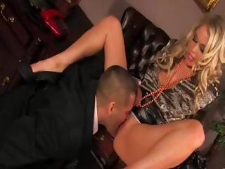 Hungry glamorous blonde gets dirty