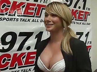 Sara Jean Underwood busty interview