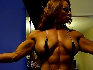 Sexy Muscle Goddess in Studio 5