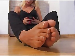 Sweety Blonde with sexy feet