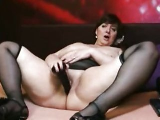 Chubby amateur plays with dildo