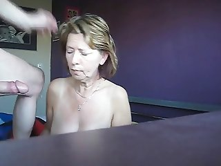 Woman suck pennis