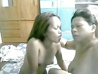 19 YEAR OLD FILIPINA GIRL SUCKING AND LICKING HER GRANNY