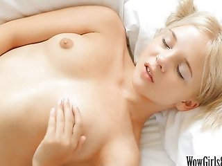 Teen blonde Monroe fingering her pussy