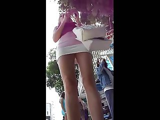 hot girl upskirt