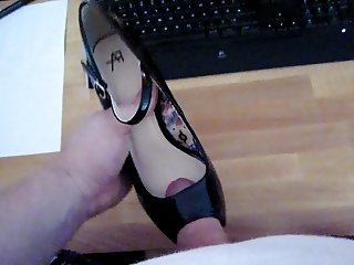 Cum on Peeptoe Heels