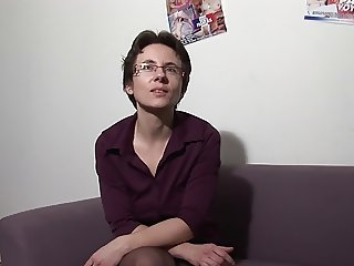 French mature housewife with glasses - Marina - fist - anal