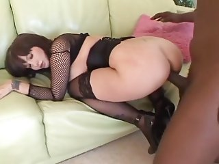 MILF Queen Carrie Ann in Sexy Outfit Taking BBC