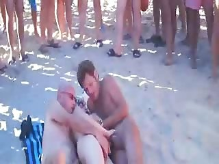 esini paylasan kimse plaj sex
