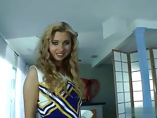 Cheerleader gets a nice BWC ctoan