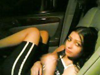 Arab-Saudi slut in car