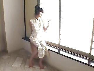 Ayase Ru Gold Bikini Cosplay