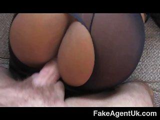 FakeAgentUK - Kinky Ebony beauty shakes booty