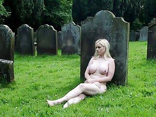 bizarre photo show