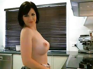 Webcam MILF In Kitchen