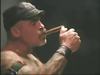 Musculat Smoking Dad and His Slave