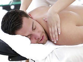 With Bailey you a Massage with Happy End