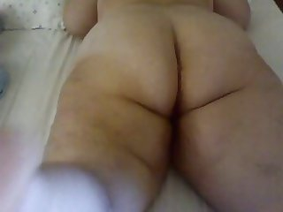 GREEK MILF ON THE BED