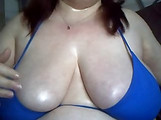 Big sexy tits oiled up