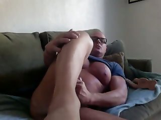 plugging my muscle pussy