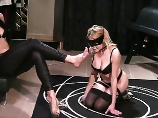 hot mistress use lesbian foot slave