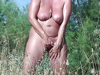 Masturbating behind the beach