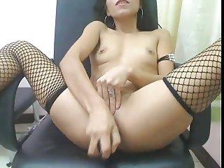 Petite Filipina Ann Breaks Her Ass