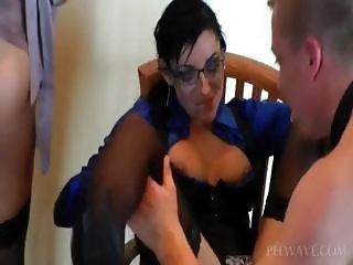 Sluts get twats finger fucked in orgy