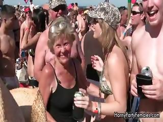 Horny hot girls on bikini going crazy part4