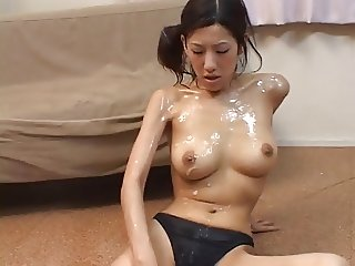 Shiina Rei gets her face and body creamed