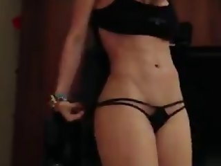 Milf girl dancing