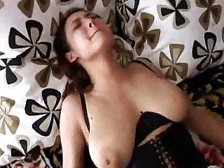 KamillaSexDebut