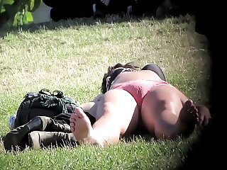 cameltoe pantys in the park