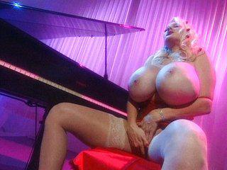 Blonde dildo pussy maestro masturbation at piano