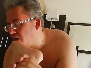 Micropenis Smalldick slave Skoti licking dirty feet