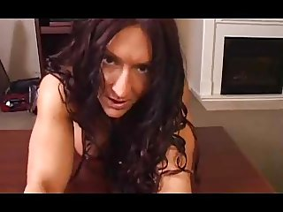 sexy muscle woman gives awsome blowjob
