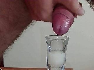 2 LOADS OF CUM IN GLASS THEN ON COCK