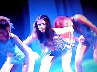 Selena Gomez - hot dancing and perfect ass