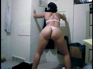 Shy Teen SEXY Ass Twerk OMG!! - Ameman