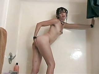 Shower and Bath For Hairy Deleila