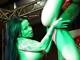 Licking on stage - Erotic Expo