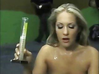 Girls love to eat sperm (perver73)