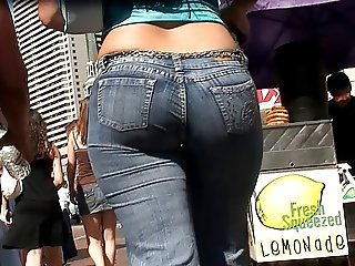 candid booty in jeans