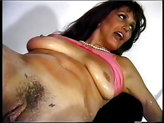 Sexy babe gets fucked as she sucks cock