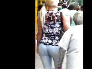 Nice jeans butt on street