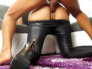 German girl fucked in the leggings and high heels
