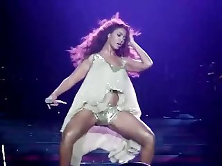 BEYONCE WORKING HER PUSSY