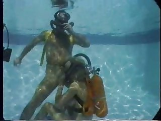 Twin Hose Fuck In a Pool